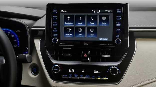 2020-toyota-corolla-sedan-13_BM