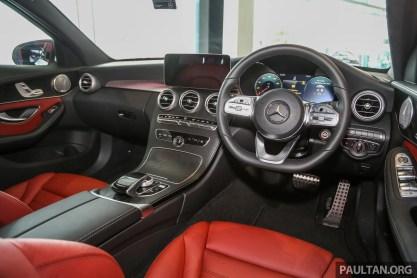 MercedesBenz_C300_Int-13