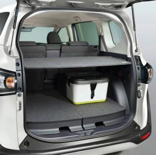 Toyota Sienta facelift 12