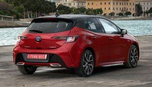 2019 Toyota Corolla Hatchback 2.0L Hybrid Red Bitone 5