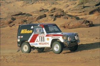 Mitsubishi Pajero Dakar Rally 9