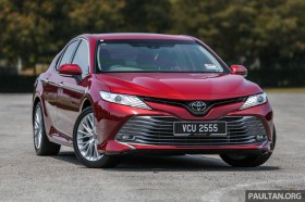 Toyota_Camry_Ext-4