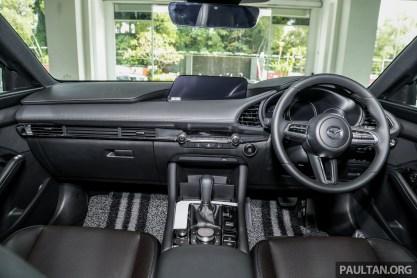Mazda 3 Liftback 2.0 L_Int-1_BM