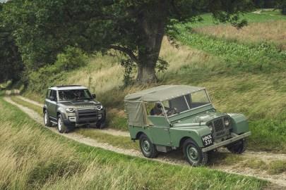 2020-Land-Rover-Defender-90_53_BM