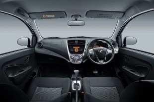 Interior_Dashboard-(1.0L-GXtra)