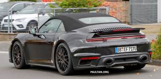 Porsche-992-Turbo-Convertible-no-camo-11
