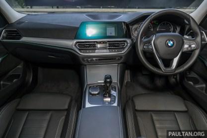 2020 G20 BMW 320i Sport Malaysia_Int-1