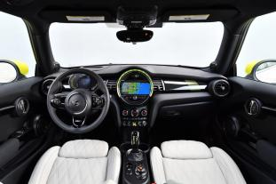 2020 MINI Cooper SE in Miami (Press Pics)_24