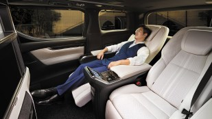 Lexus LM-Thailand launch official site-12_BM