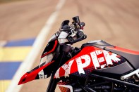 2020 Ducati Hypermotard 950 RVE Low Res - 16