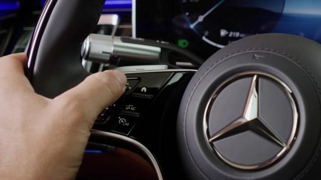W223 Mercedes-Benz S-Class My MBUX-video-presentation-11 BM