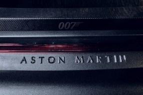 Aston Martin 007 Edition-V8 Vantage-DBS Superleggera-8