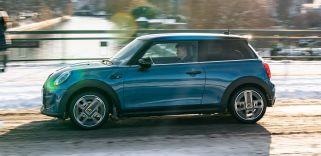 2021 MINI Cooper SE facelift-20-BM