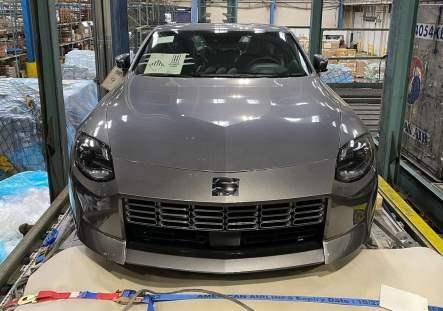 Nissan-400Z-Grey-Spied-3_BM