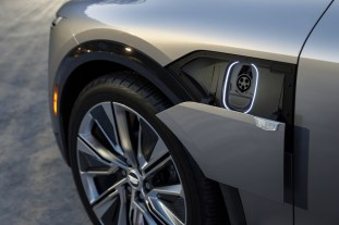 LYRIQ offers high-speed DC fast charging at 190 kW, enabling cus