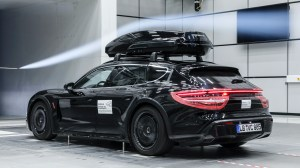 Porsche Tequipment Performance Roof Box (4)  - Porsche Tequipment Performance Roof Box 4 - Porsche Tequipment launches Performance roof box – 480 litres of additional space, stable at up to 200 km/h!