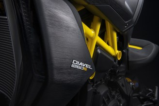 2022 Ducati Diavel 1260 S Black and Steel - 32