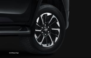 2022 Toyota Fortuner GR Sport Indonesia_exterior-4