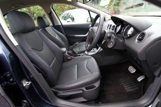 Peugeot408_048