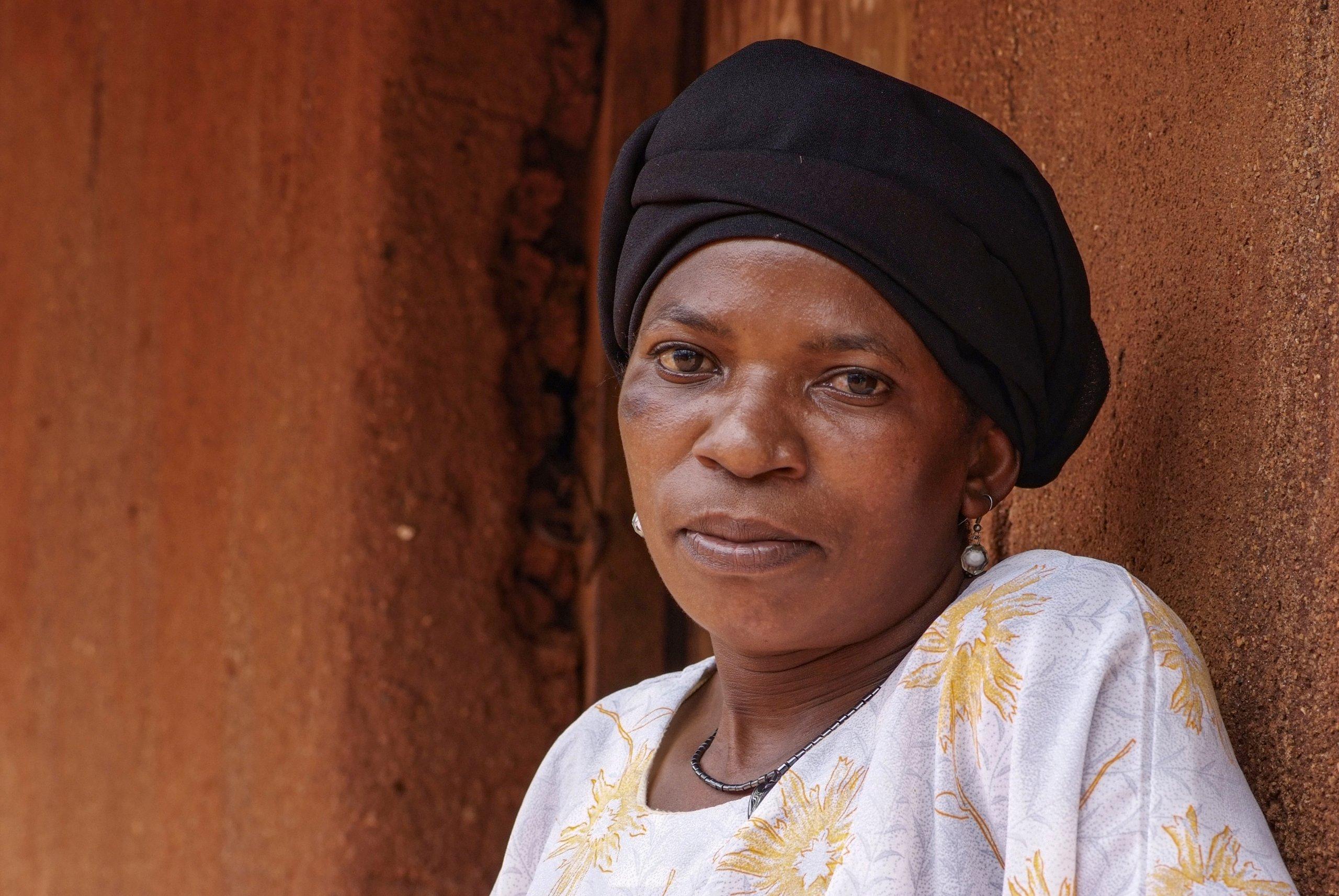 35 01 boerin trotsevrouw Mariam Fundi Maramba Tanzania 6013 scaled