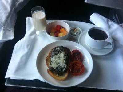 Qantas-business-class-breakfast