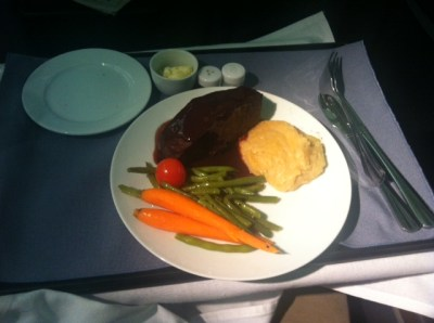 united-airlines-business-class-dinner