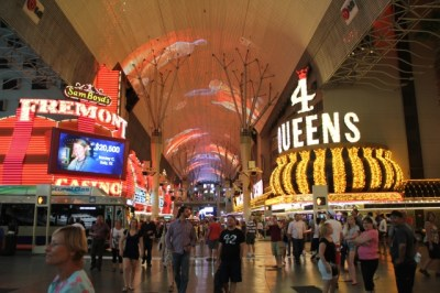 las-vegas-downtown-project-tony-hsieh-tour-fremont-street-experience-at-night