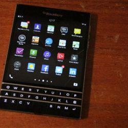 BlackBerry shrinks its device workforce
