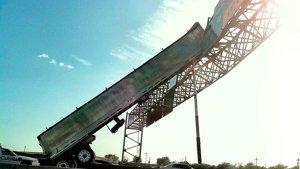 truckcrashsign.23672608_std