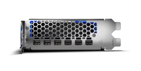 AMD-Radeon-Pro-W6800-03