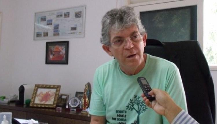 Ricardo ao invés de baixar, aumentou o ICMS sobre o diesel na Paraíba