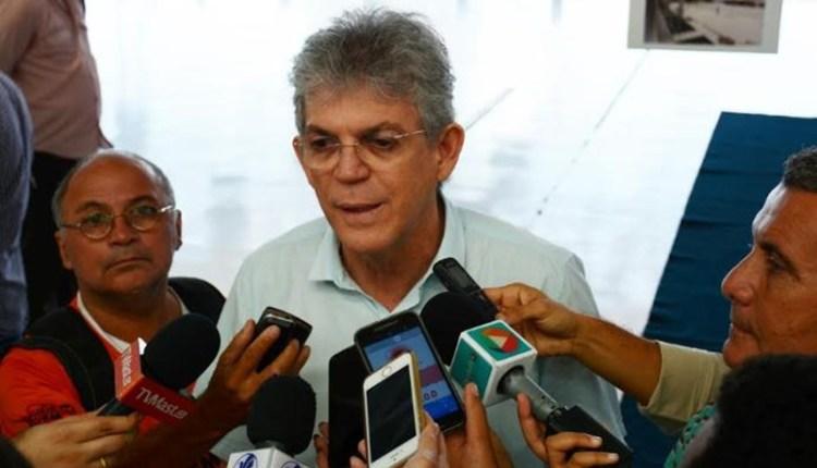 Governador Ricardo entrega novos equipamentos para Corpo de Bombeiros Militar
