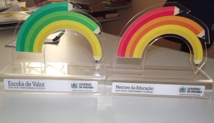 Governo lança editais dos Prêmios Mestres da Educação e Escola de Valor