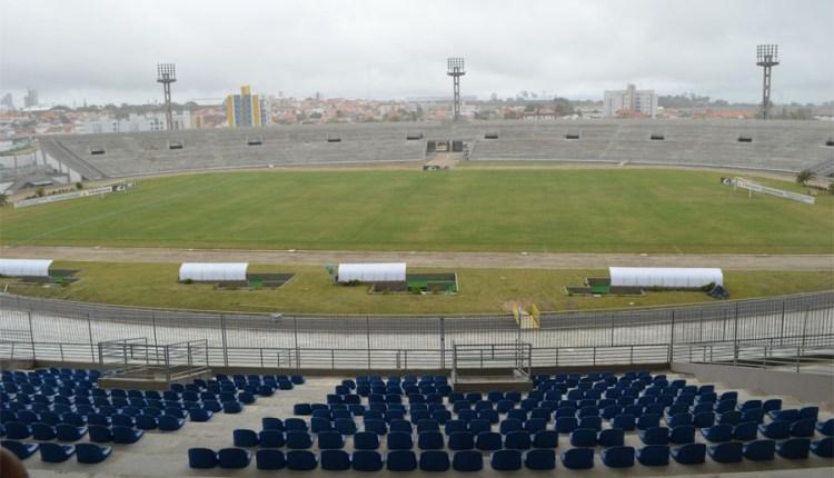 Ofício comprova pedido da FPF e dos clubes para adiar obras no gramado do Amigão