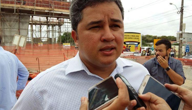Efraim Filho volta a dizer que o Democratas espera espaço na majoritária do PSB