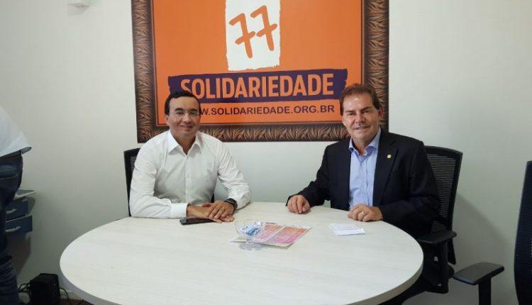 Prestes a deixar a legenda, Benjamim se reúne com presidente do Solidariedade