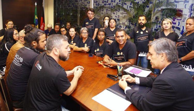 Com postura de candidato a governador, Cássio apoia pleitos dos agentes de saúde