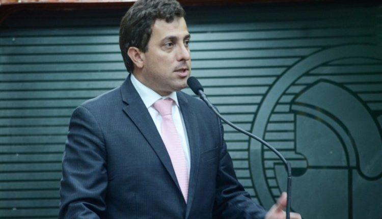 Gervásio denuncia descumprimento de lei que prevê meia entrada de estudantes