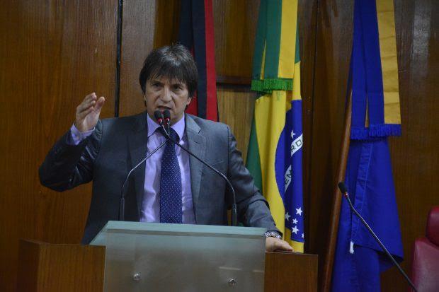 Deputado reafirma permanência na oposição e volta a criticar insegurança na Paraíba