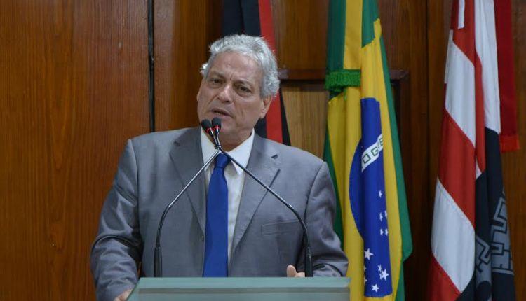 """""""Não se faz nada hoje sem olhar para o passado"""", diz Vicente Goulart, pré-candidato a presidente da República"""