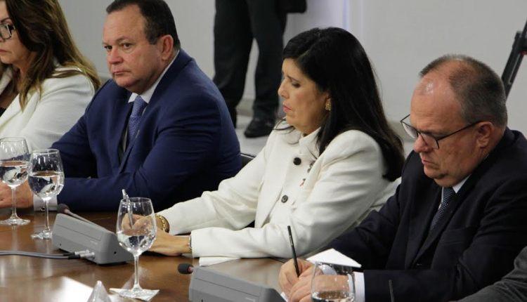 Lígia participa de reunião sobre segurança pública com presidente em Brasília