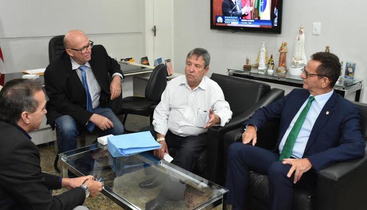 Vereador de São Paulo visita CMJP e troca experiências com parlamentares da Capital
