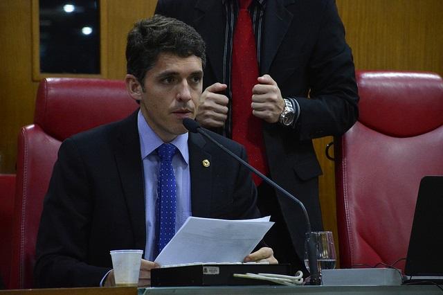 Deputado pede que TCE e MP fiscalizem obras inacabadas do Governo do Estado