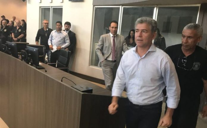 Preso, prefeito Leto Viana poder enfrentar impeachment nesta semana em Cabedelo