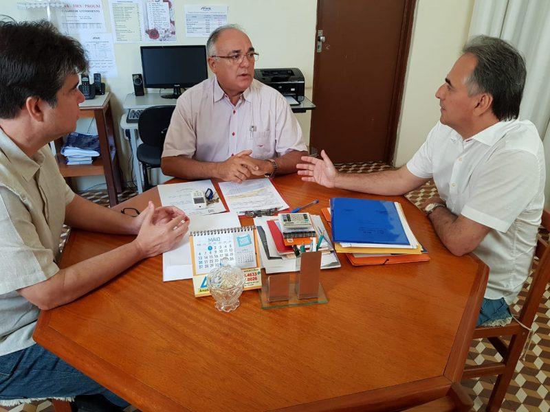 No Sertão, Lucélio Cartaxo se reúne com lideranças de vários municípios e defende construção de Hospital de Trauma na região