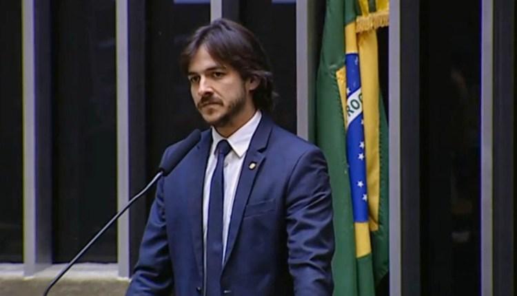 Trajetórias políticas de Rômulo e Lula Cabral, são lembradas por Pedro no Congresso