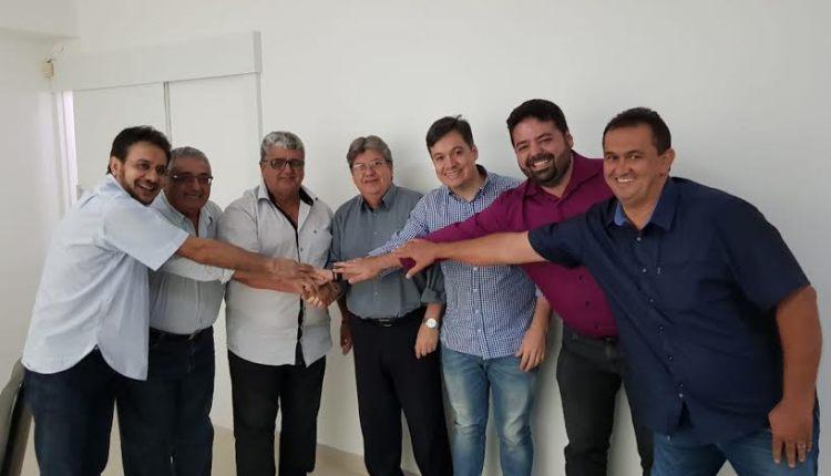Prefeito de Vieirópolis declara apoio à pré-candidatura de João Azevêdo