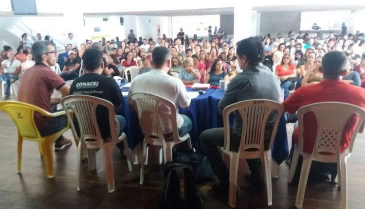 Romero não dialoga e servidores da saúde em CG deflagram greve por tempo indeterminado