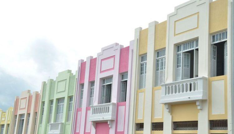 Moradores e comerciantes do Villa Sanhauá assinam termos de uso com prefeito Cartaxo