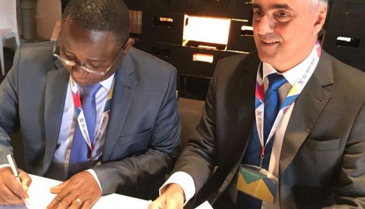 Na Polônia, Cartaxo assina acordo de cooperação com prefeitos de vários países